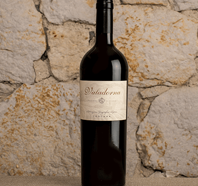 2013 Arcanum Valadorna Red Wine label shot